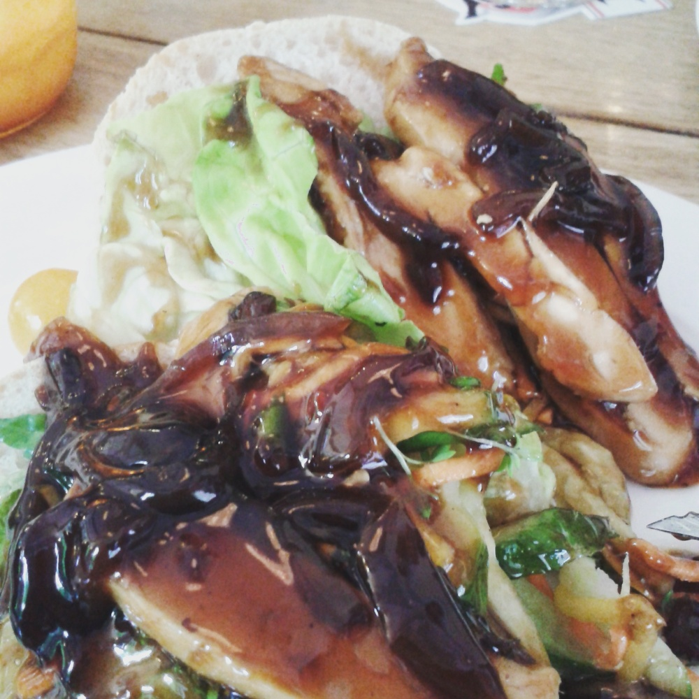 Chicken Teriyaki Sandwich in Parkcafé Buiten, Utrecht
